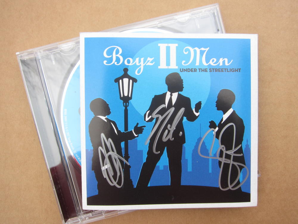 Boyz II Men 3x signed CD Cover Under The Streetlight Nathan Morris, Shawn Stockman, Wanya Morris