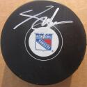 Adam Graves signed Rangers Hockey Puck Beckett BAS Authentic auto 1994 Cup